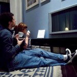 La televisione fa male alla salute quanto se non di più del fumo