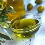 Cura della pelle attraverso l'uso dell'olio di oliva