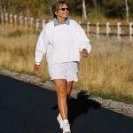 Basta una passeggiata veloce al giorno per allungare la vita