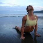 Yoga e stretching contro il mal di schiena cronico