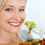 Le 8 vitamine a cui le donne non possono rinunciare