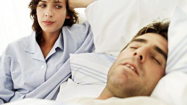 Smettere di russare con i rimedi naturali