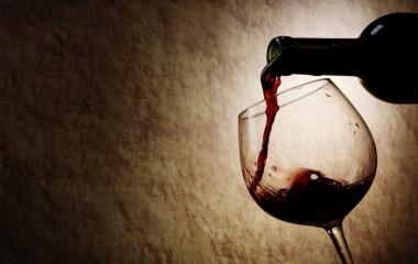 Vino: con un bicchiere al giorno si vive 1 anno e mezzo in più