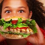 Mangiare al fast food aumenta il rischio d'asma