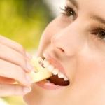 Carie dentale: si previene a tavola