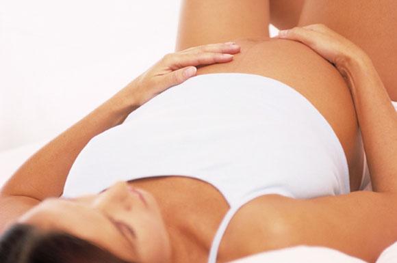 Mamme: meglio il parto cesareo o quello naturale?