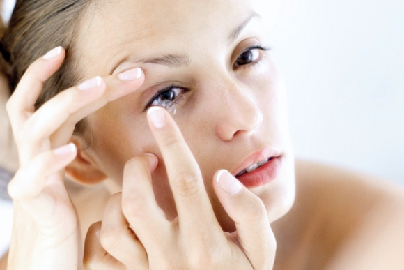 Lenti a contatto con acido ialuronico: i vantaggi