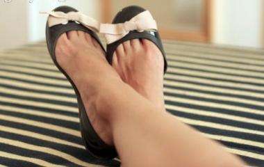 Ballerine: sono scarpe dannose per la schiena